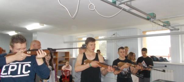 Integracja i rywalizacja na strzelnicy
