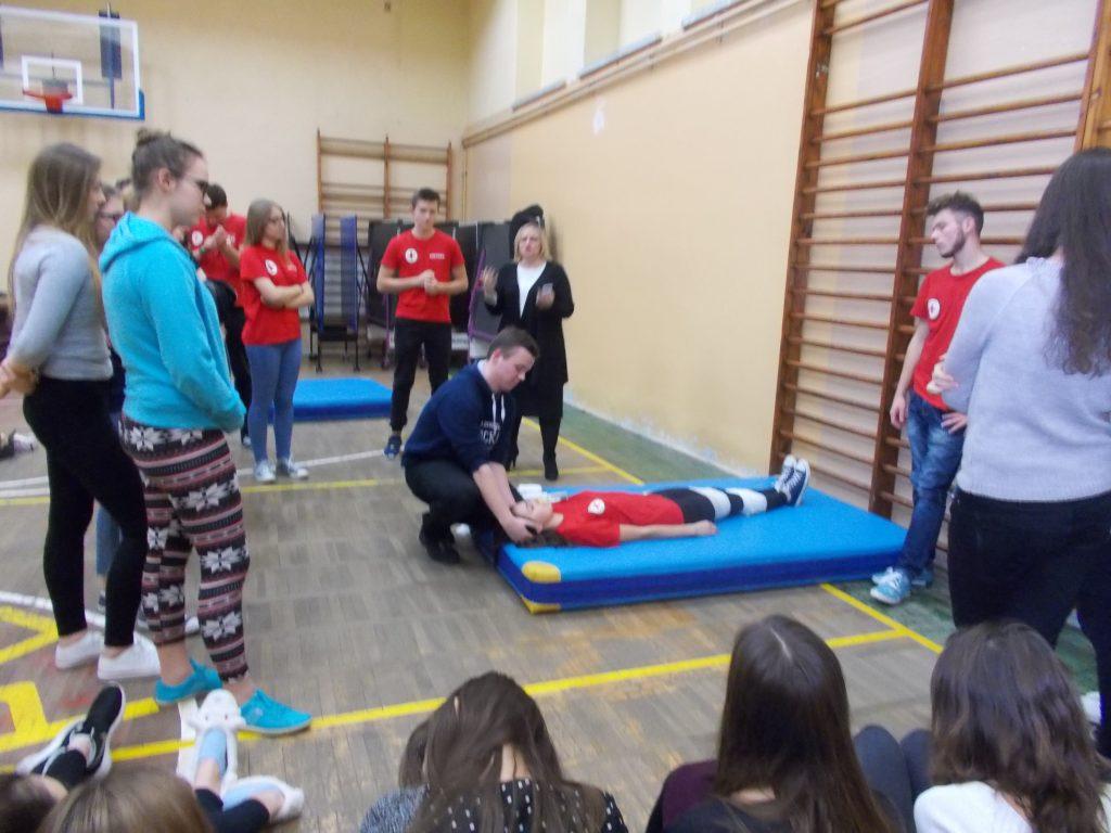 2016-11-03-krotki-kurs-udzielania-pierwszej-pomocy-12