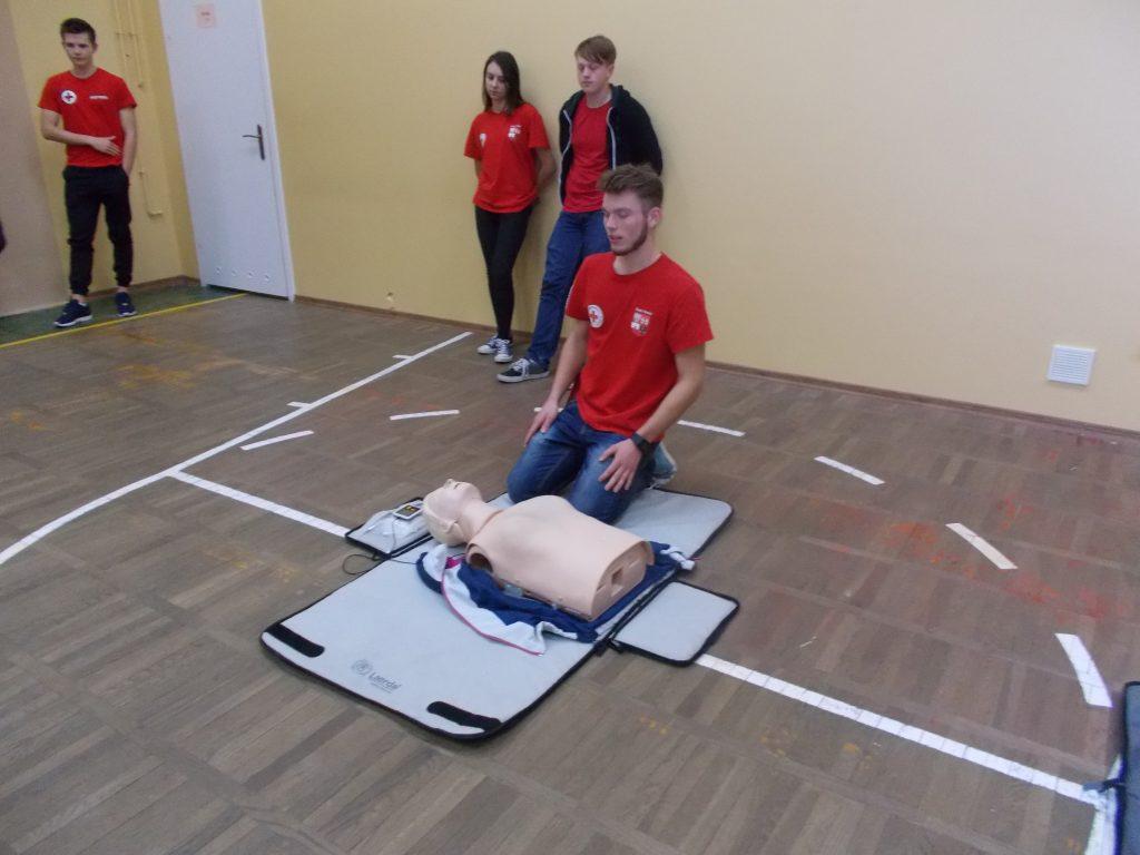 2016-11-03-krotki-kurs-udzielania-pierwszej-pomocy-13