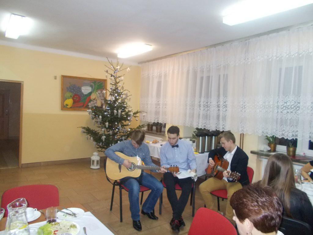 2016-12-20-wigilia-w-internacie-20