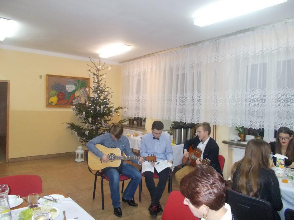 2016-12-20-wigilia-w-internacie-21