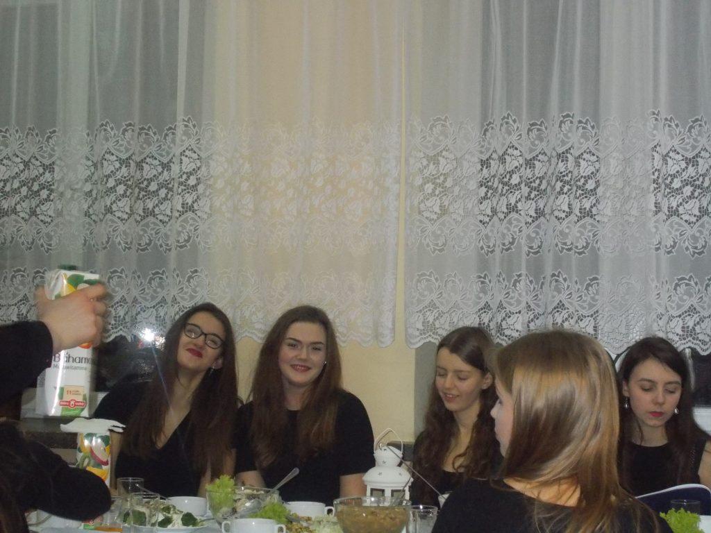 2016-12-20-wigilia-w-internacie-25
