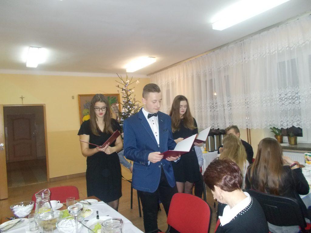 2016-12-20-wigilia-w-internacie-27