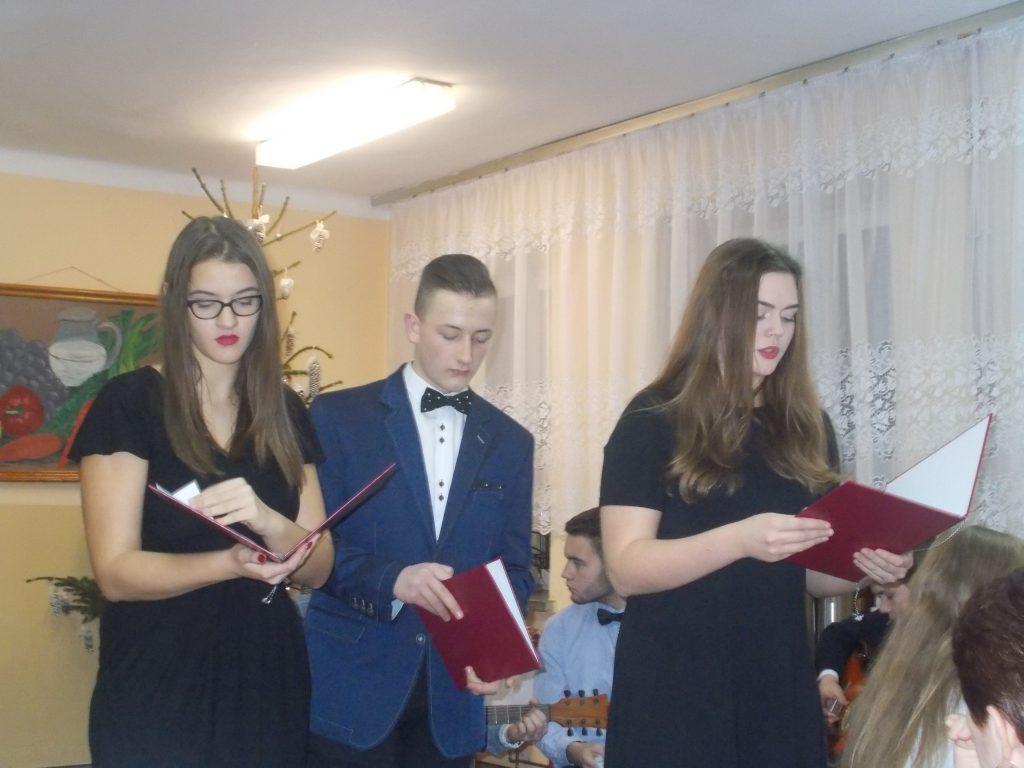 2016-12-20-wigilia-w-internacie-28