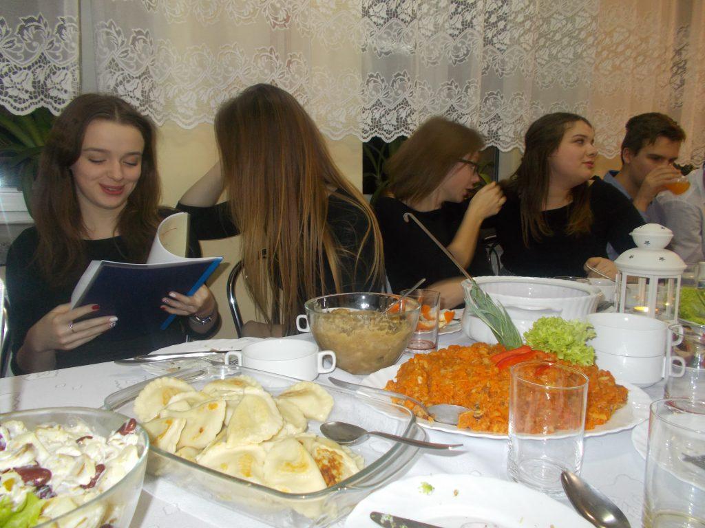 2016-12-20-wigilia-w-internacie-31
