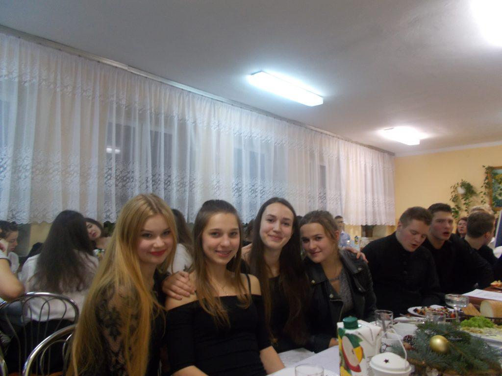2016-12-20-wigilia-w-internacie-35